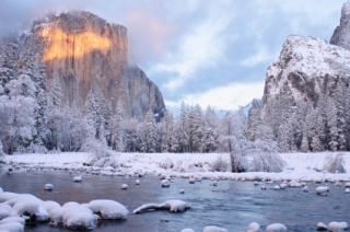 Gates of the Valley at sunset (Yosemite National Park, California).