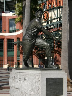 photo of Willie Mays statue in San Francisco courtesy of soulofamerica.com